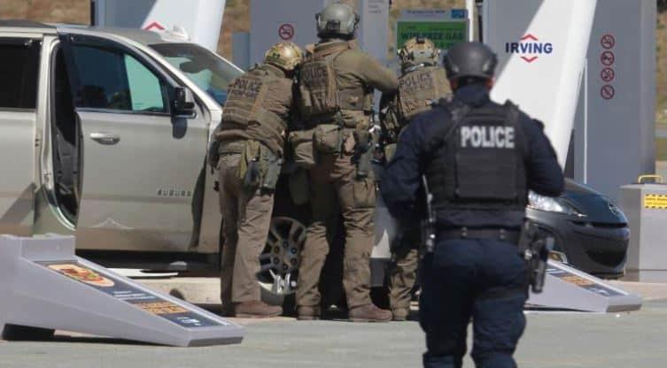 Sulm me armë zjarri në Kanada, të paktën 16 të vrarë