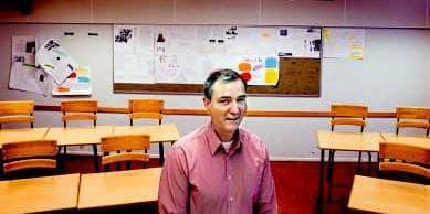 Drejtori i Shkollës së Qytetit të Vjetër, Olof Stigert, punëson 4 të afërmit e tij në shkollë.