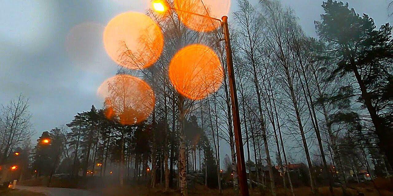 Administrata Suedeze e Transportit paralajmëron: Përmbytja dhe rënia e pemëve.