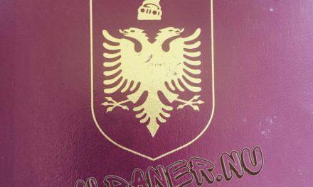 Pasaportat nga ambasada jonë në Stockholm dhe… ne